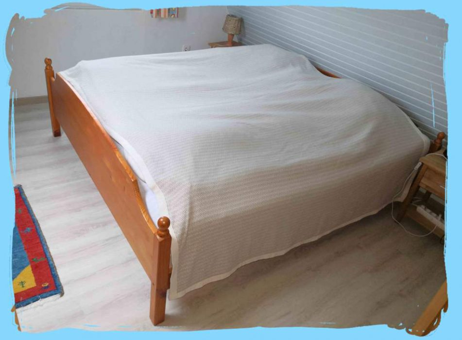 1gr Schlafzimmer Bett