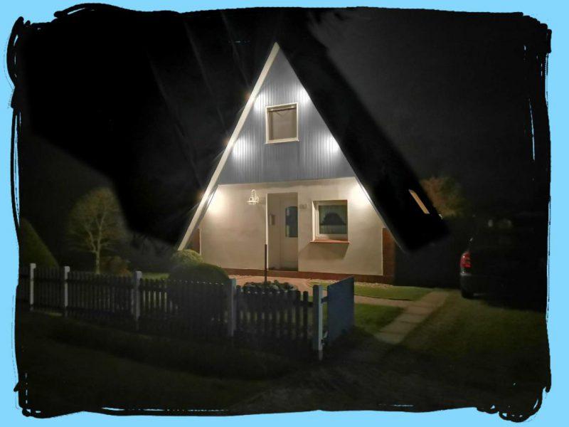 Haus Strassenseite Nacht Beleuchtung